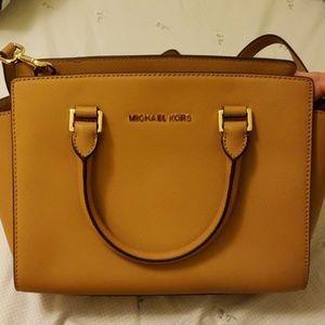 Handbags - Brand New Michael Kors bag